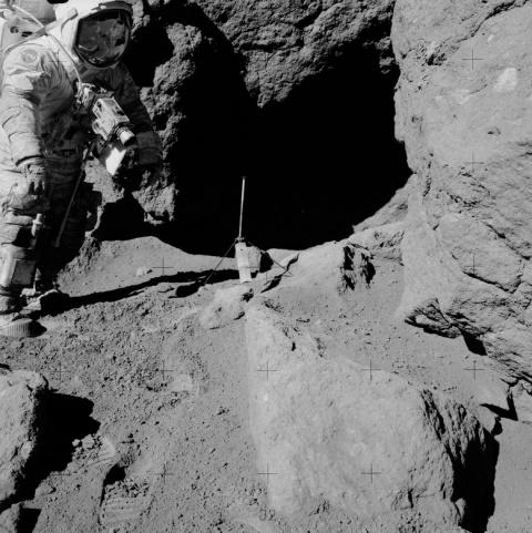 На старом фото миссии Аполло…