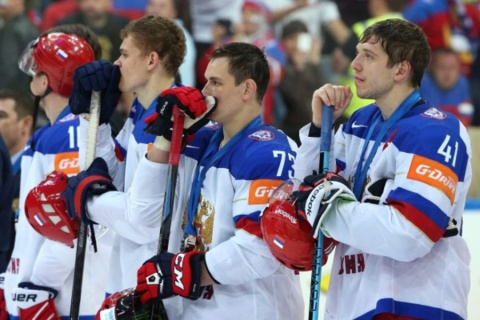 Генменеджеру сборной России по хоккею стыдно