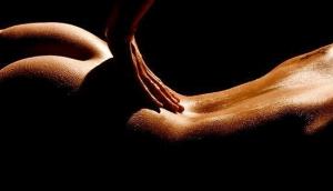 Необходимый в отношениях эротический массаж.