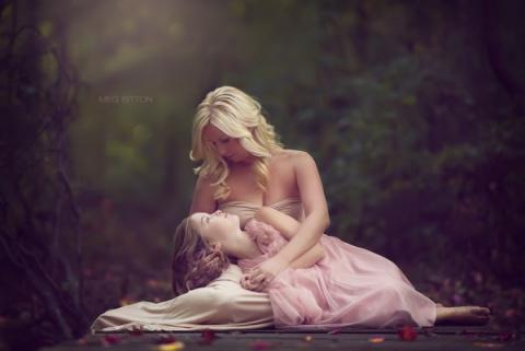 Девичьи грезы и материнство в портретной фотографии Мэг Биттон