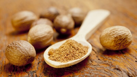 Мускатный орех в домашнюю аптечку — целебные свойства и рецепты