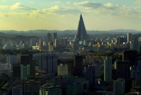 Тайно сделанные фотографии повседневную жизни в Северной Корее
