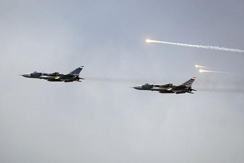 Минобороны: В Сирии действуют 50 российских самолетов и вертолетов
