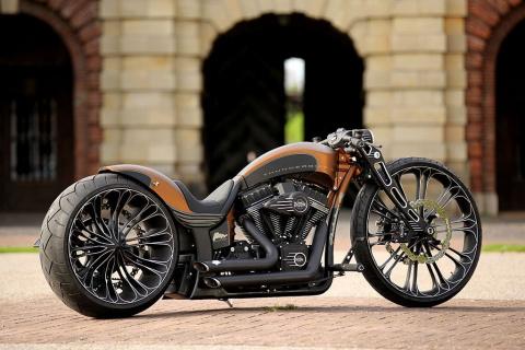 Еще один роскошный кастом Harley-Davidson от Thunderbike
