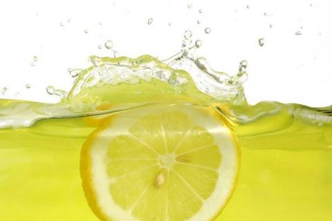Для чего пьют воду с лимонным соком