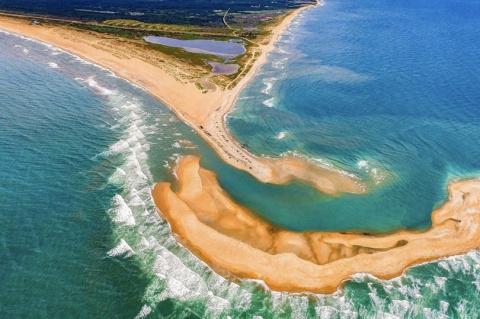 Тайна Бермудского треугольника продолжается: посреди океана внезапно образовался «опасный» остров длиной в 1,6 км