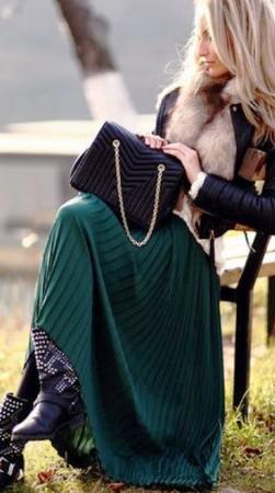Холода — не беда! 17 крутых примеров как и с чем носить юбки-макси