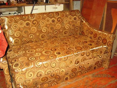 Перетяжка дивана своими руками.