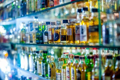 Этикетки всей алкогольной продукции хотят привести к единому стандарту
