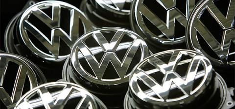 Акции Volkswagen подешевели на 22% из-за скандала с дизельными двигателями