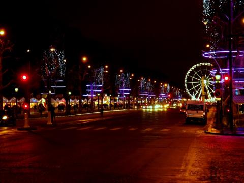 avenue des Champs-Élysées в новогодние праздники
