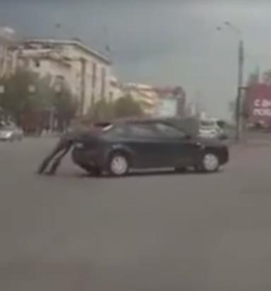 Сбежавшие машины (видео)