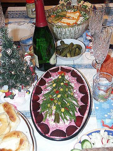 Украшаем праздничный стол.