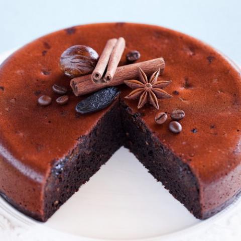Торт в мультиварке с шоколадом и черносливом
