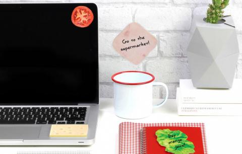 13 подарков коллегам в офисе
