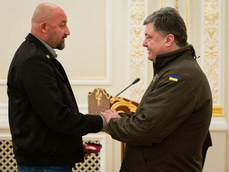 Украина прозревает: известный журналист отказался от награды Порошенко
