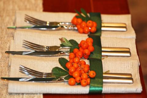 Зимние ягоды в новогоднем декоре: 25 интересных идей использования рябины