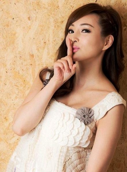 На грани фантастики: как думаете, сколько лет этой прелестной китайской актрисе и модели?