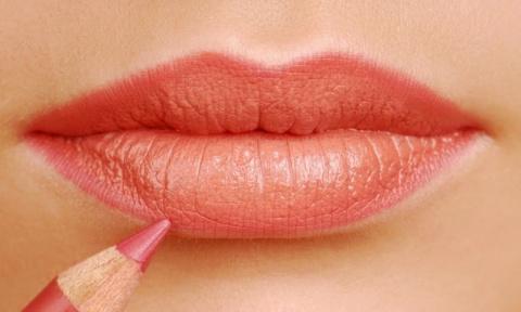 10 ошибок в макияже, которые делают вас на 10 лет старше