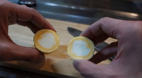 Как сварить яйцо «наизнанку»…