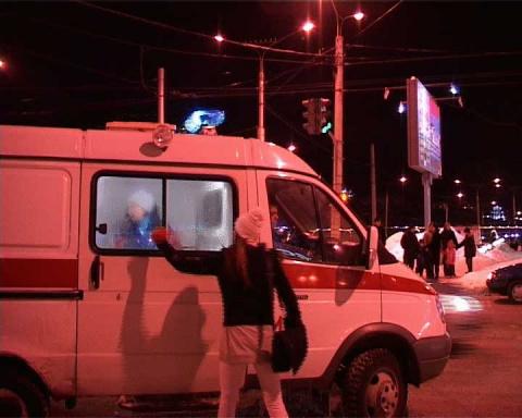 драка со стрельбой  в Чебоксарах в центре города (почувствуем разницу)