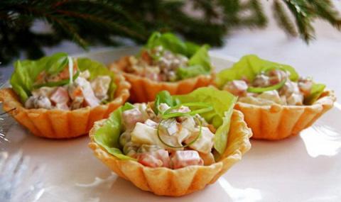 Корзиночки с салатом Оливье