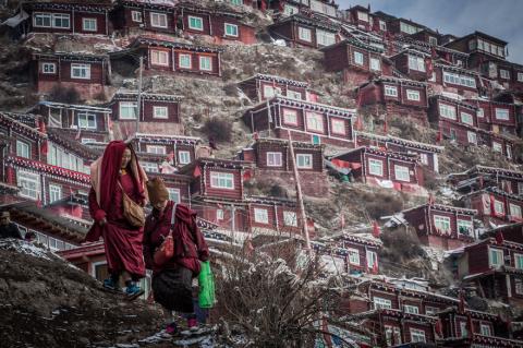 Ларунг Гар: 40 тысяч буддист…