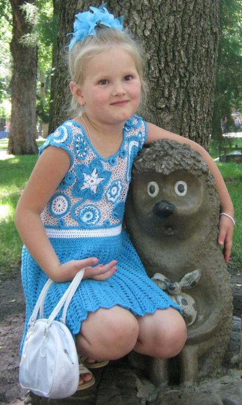 Голубое платьице