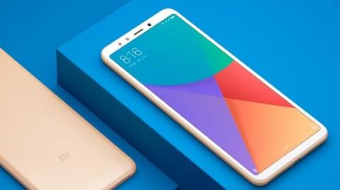 Новый безрамочный смартфон Xiaomi показался на рендерах