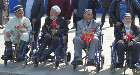 """Это правда или """"вброс"""" если правда, кто запретил и зачем """"При этом организаторы обратились к жителям Узбекистана с призывом помочь приобрести подарки для 400 ветеранов Ташкента."""""""