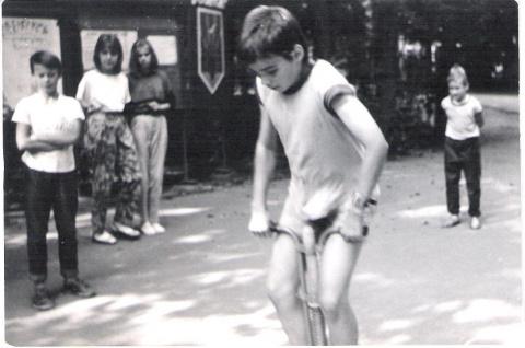 1989 Золотарев Алеша  прыг-прыг