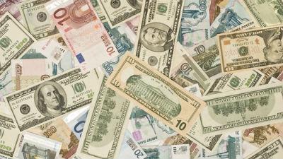 Доллар и евро продолжают бит…