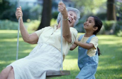 Ягодка опять: Звездные бабушки, возраст которых вас удивит