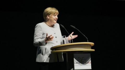 Ангела Меркель и Эммануэль М…