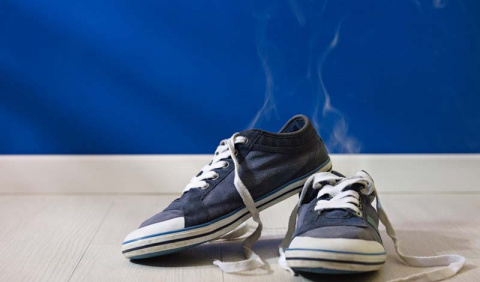 Как избавить обувь от неприя…