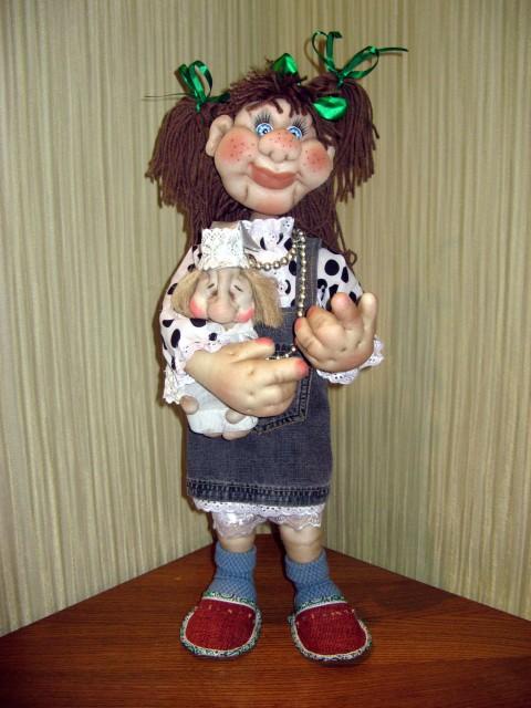 Вышивка лентами и куклы из солёного теста.