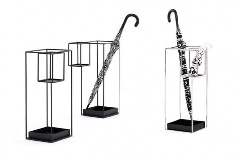 Такие разные зонтики в одной подставке