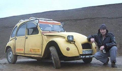Его машина сломалась посреди…