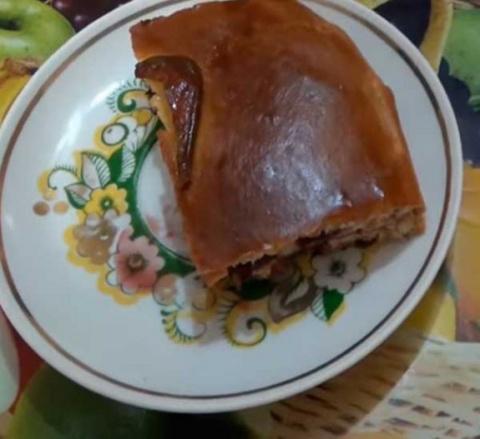 Пирог из дрожжевого теста с вареньем — рецепт с фото