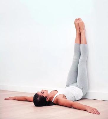 Ноги на стену: полезное упражнение