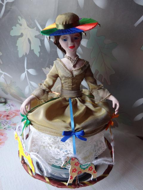 Кукла-карусель