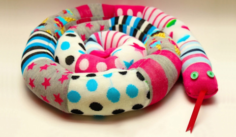 Мягкая игрушка змея из носков. МК