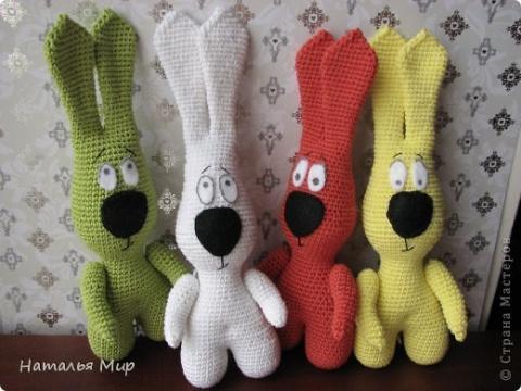 Вязаные игрушки - зайцы крючком