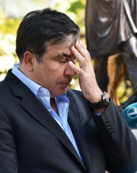 Украинцы собирают подписи за назначение Саакашвили премьером