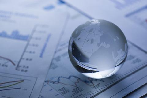 Глобальной экономике угрожаю…