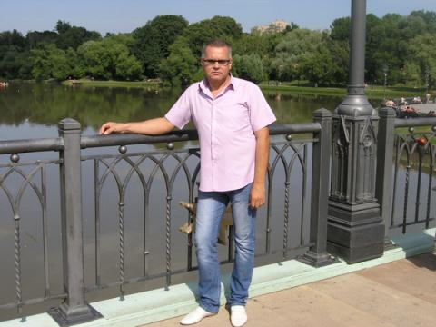 Анатолий Лаврентьев