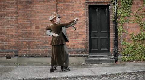 На Полуночнице новое видео: 100 лет моды за 100 секунд