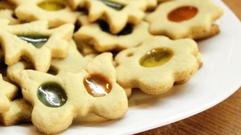 Новогоднее печенье с карамелью - видео рецепт