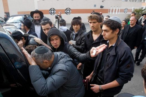 Евреи во Франции не боятся н…