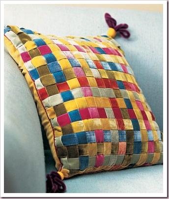 Оригинальная подушка из бархатных лент. МК